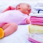 Gạch đầu dòng quan trọng khi giặt quần áo cho em bé