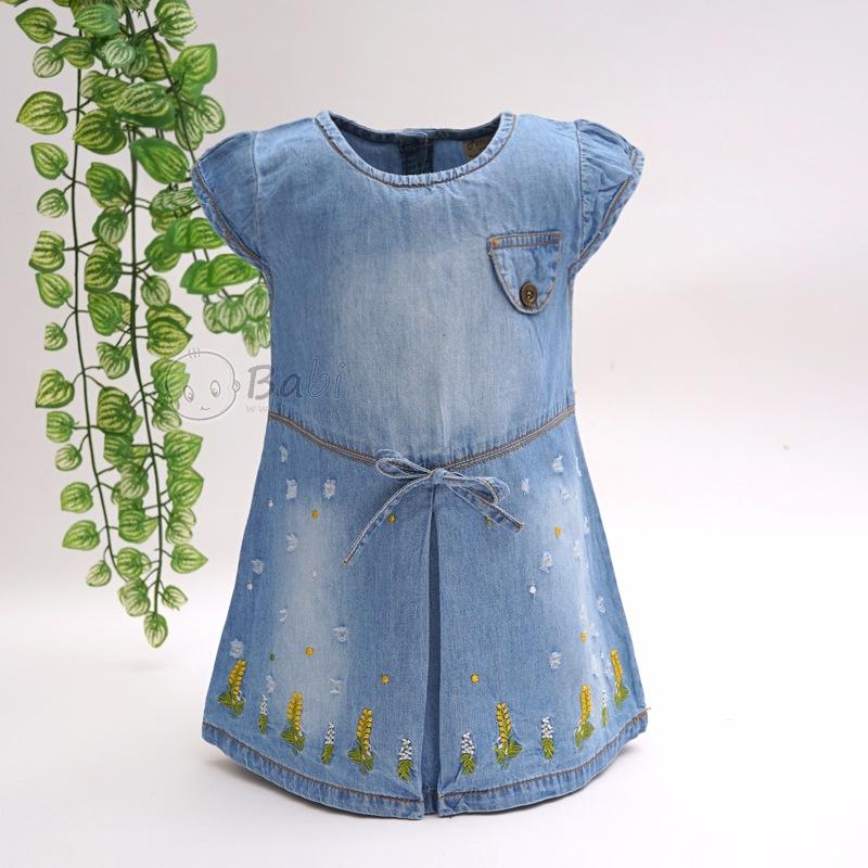 Đầm jean suông đẹp cho bé gái thêu lá cây