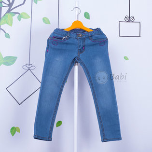 Quan jeans dai be gai theu hinh tim sanh dieu