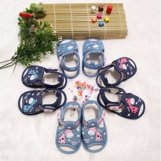 Giay sandal tap di tre em hinh huu cao co (6 thang - 15 thang)