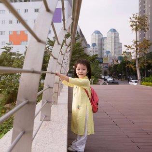 Ao dai cho be gai theu hoa va chuon chuon (4-12 tuoi) KM165