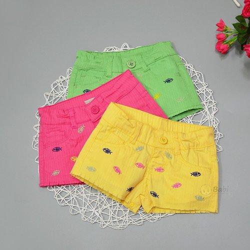 Quan Short Be Gai Vai Kaki Theu Hinh Ca (1-3 tuoi)