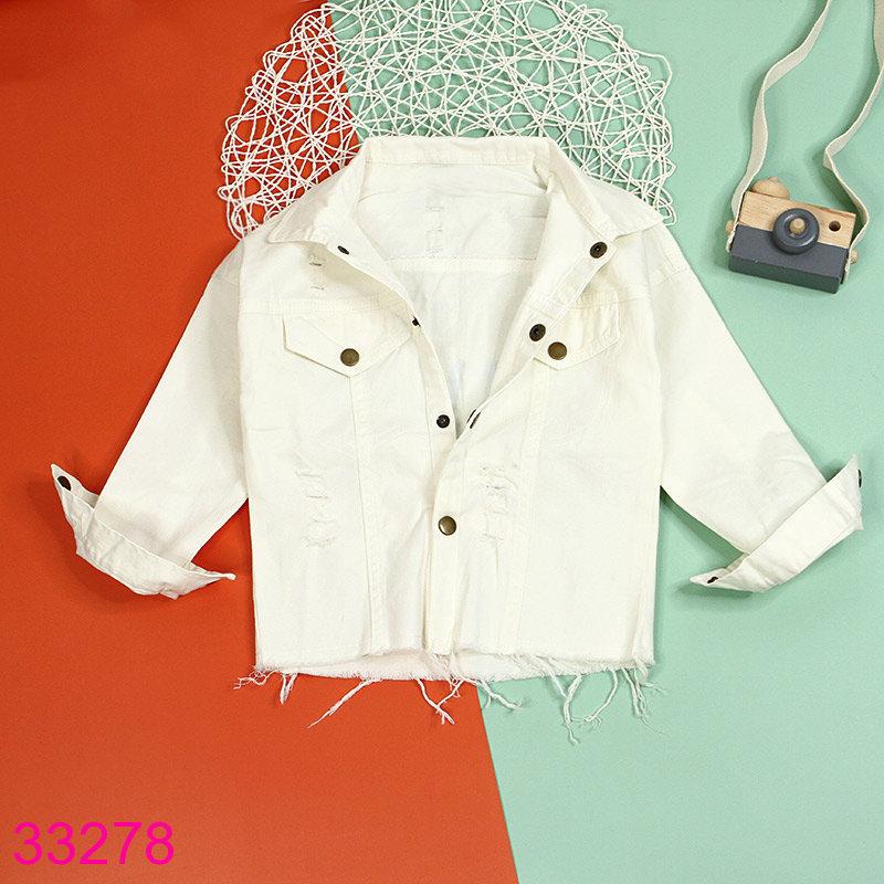 Màu trắng